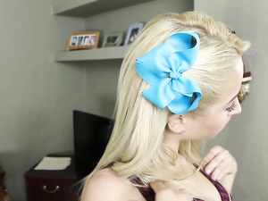 Good Girl With A Pretty Bow In Her Hair Gets Fucked